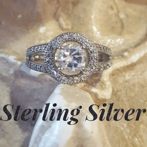 Jewelry - Elegant Sparkly Sterling Silver CZ Round Ring Sz 7